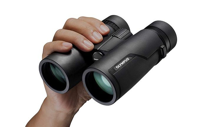 use-of-binoculars-in-journey
